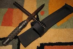 Нож диверсионный