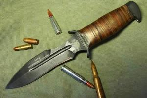 Нож Каратель
