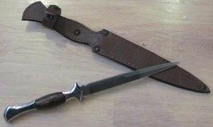 нож для добивания добычи
